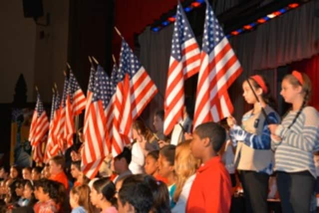 Eastview Middle School celebrateand honors veterans.